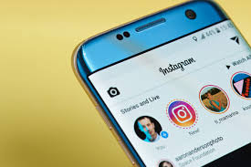 How to add multiple pictures to Instagram story 1